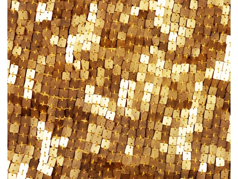 Gold-coloured sequins