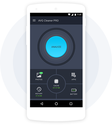 AVG Cleaner PRO가 탑재된 흰색 휴대폰