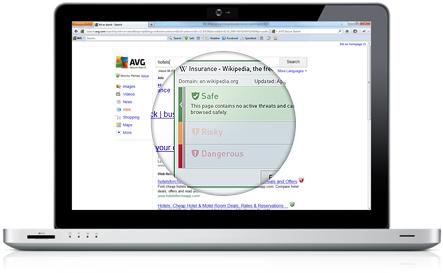 Komputer riba putih dengan UI Secure Search dengan keputusan carian di bawah kaca pembesar